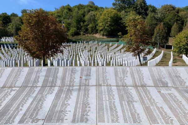 25 anni fa Srebrenica