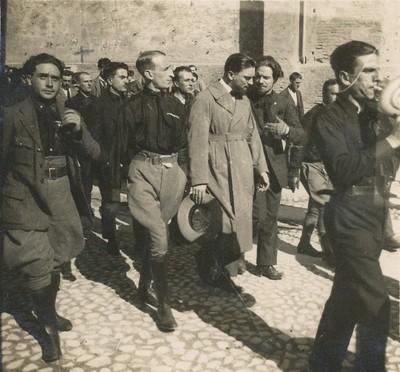 L'arrivo di Italo Balbo a Modena in occasione della prima celebrazione dei fascisti caduti nell'eccidio del 26 settembre 1921, 1° ottobre 1922
