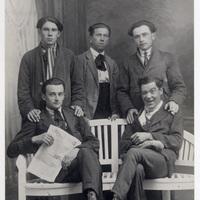 Con altri giovani anarchici a Modena nel 1920